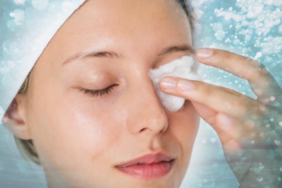 Simplifica tu rutina de belleza con el agua micelar
