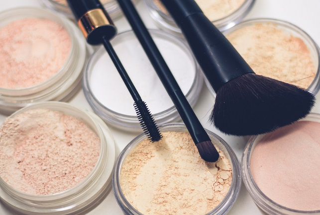 Maquillaje con base mineral